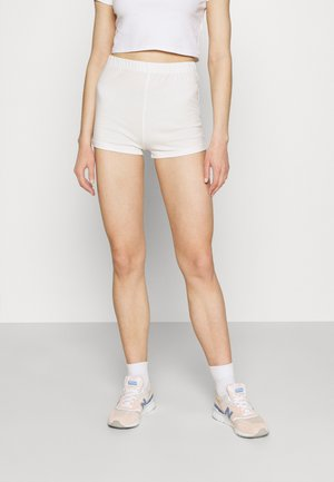 FLIRTY BIKE - Shorts - white