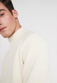 DRYKORN - ZAYN - Sweter - offwhite - 5