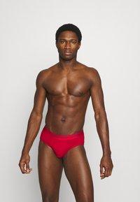 Calvin Klein Underwear - HIP BRIEF 2 PACK - Briefs - red - 0