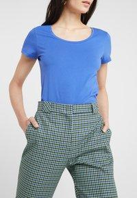 BOSS - TIFAME - T-shirt basic - medium blue - 3