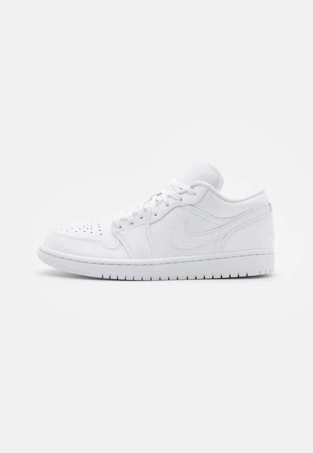 Sneakers laag - white/hyper crimson/light bone/vintage lichen