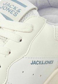 Jack & Jones - Sneakersy niskie - winter white - 6