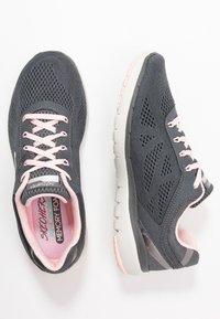 Skechers Sport - FLEX APPEAL 3.0 - Sneakers laag - charcoal/pink - 3