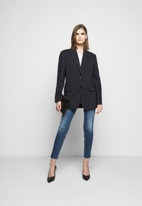 Mother - LOOKER ANKLE FRAY - Jeans Skinny Fit - blue denim - 1