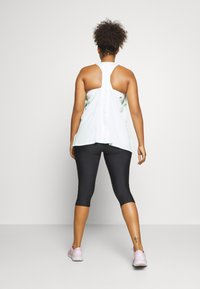 Under Armour - HIGH RISE CAPRI - 3/4 sports trousers - black - 2