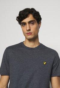 Lyle & Scott - MARLED - T-shirt - bas - dark navy - 3
