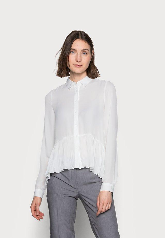 ONLGRORGINA PLISSE - Button-down blouse - cloud dancer