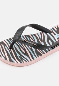 Ipanema - TEMAS KIDS - Pool shoes - pink/black - 5