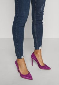 Dorothy Perkins - NIBBLE DARCY - Jeans Skinny Fit - indigo - 4