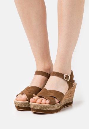 Platform sandals - noce