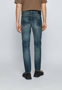 BOSS - Jeans Tapered Fit - dark blue - 2