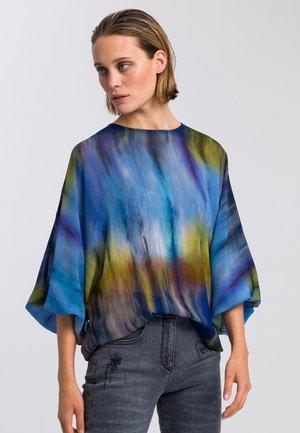 Blouse - batik blue varied