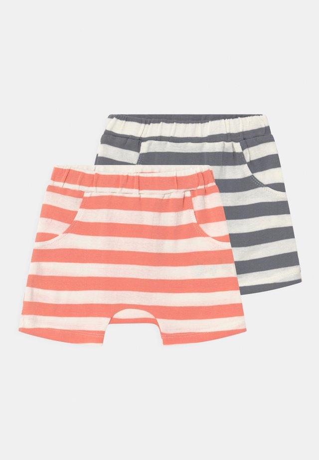 EMILIO RETRO BABY 2 PACK UNISEX - Shorts - coral/blue