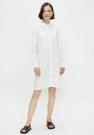 PCFHILOH - Shirt dress - bright white