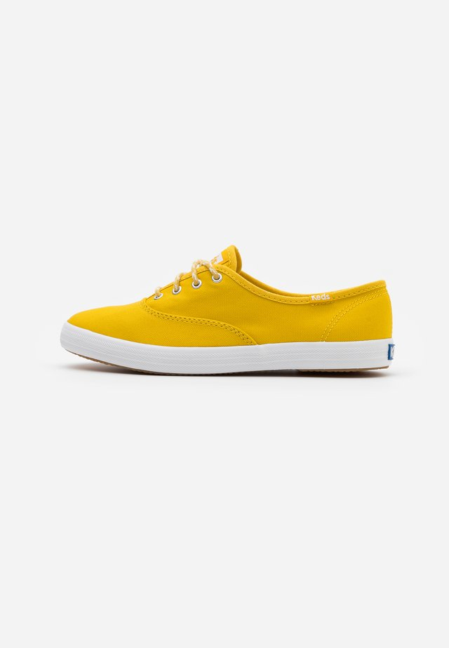 CHAMPION SEASONAL SOLIDS - Sneakers laag - lemon curry