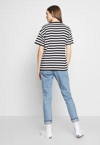 Carhartt WIP - SCOTTY - Print T-shirt - black/white - 2