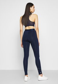 ONLY PLAY Tall - ONPMILEY TRAINING TIGHTS TALL - Leggings - maritime blue/white gold - 2