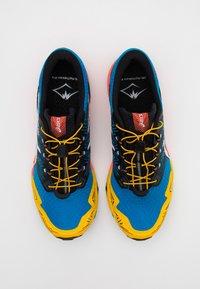 ASICS - GEL FUJITRABUCO SKY - Trail running shoes - directoire blue/white - 3