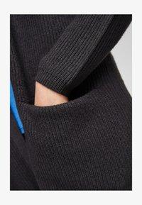 Q/S designed by - Cardigan - black melange - 6