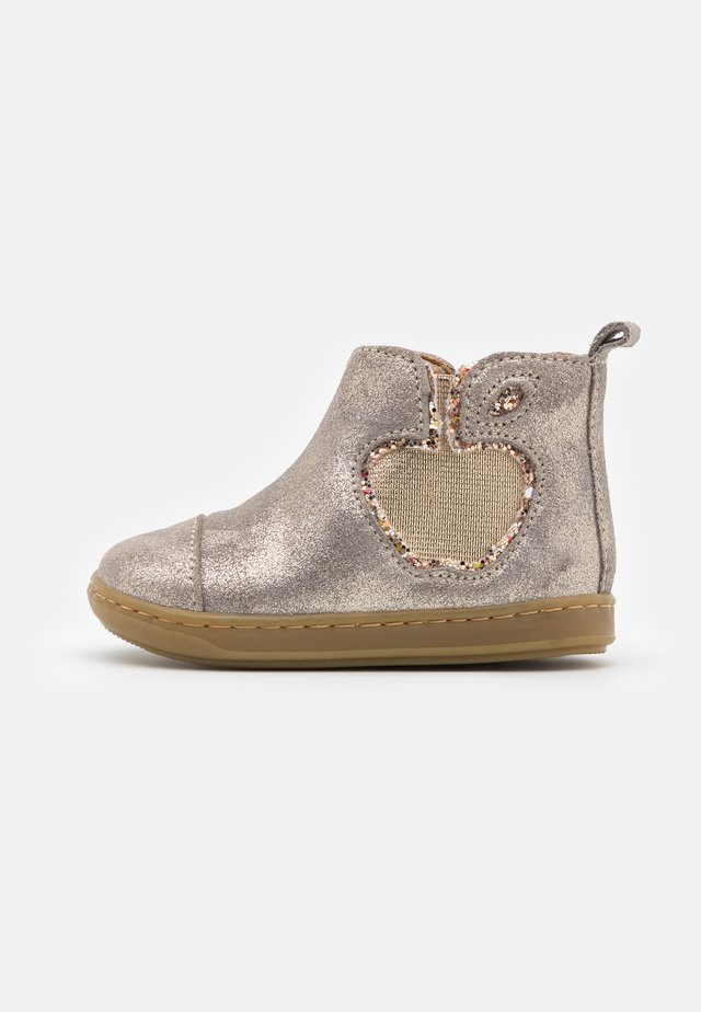 BOUBA NEW APPLE - Classic ankle boots - taupe/platine