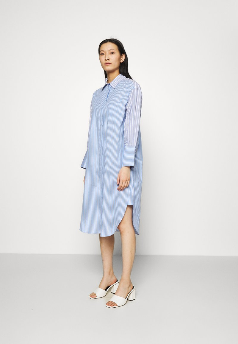 Second Female - EVELIN NEW DRESS - Robe chemise - brunnera blue