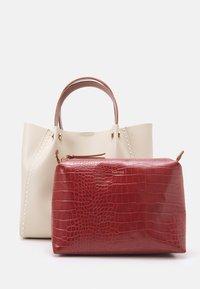 PARFOIS - SHOPPER BAG PEGGY SET - Handbag - ecru - 3