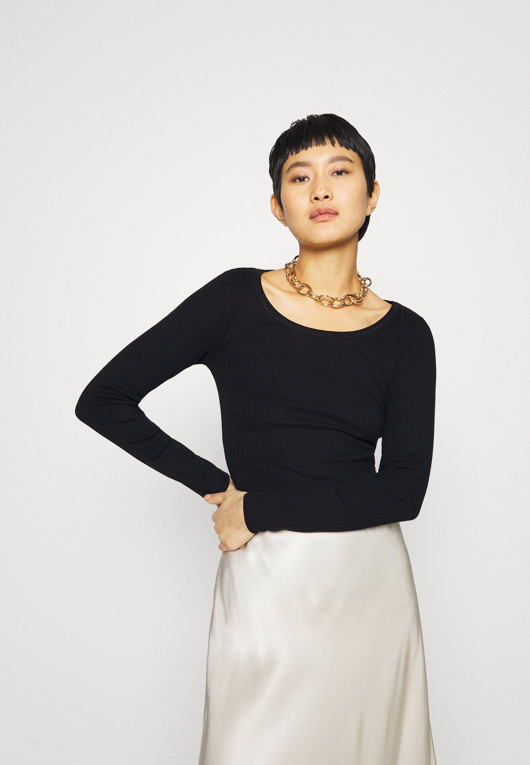 Women SCOOP NECK  - Long sleeved top