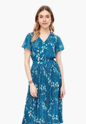 MIT FLORALEM PRINT - Day dress - petrol aop