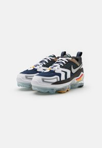 Nike Sportswear - AIR VAPORMAX EVO UNISEX - Trainers - anthracite/tech grey/white/midnight navy - 5