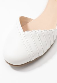 Anna Field - LEATHER ANKLE STRAP BALLET PUMPS - Ankle strap ballet pumps - white - 2