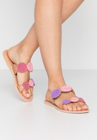 laidbacklondon - SANI FLAT - Pantofle - light brown/rose - 0