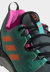 adidas Performance - Løpesko for mark - green - 6