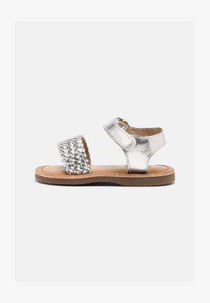 ODERZO - Sandals - plata