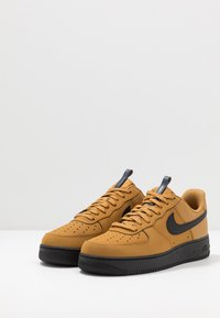 Nike Sportswear - AIR FORCE 1 - Tenisky - wheat/black/midnight navy - 2