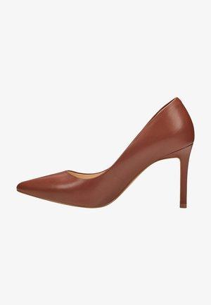 Classic heels - rich coffee