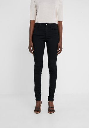 LOLA SUPER STRETCH - Skinny džíny - black
