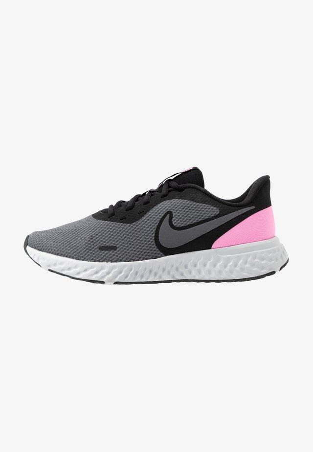 REVOLUTION 5 - Chaussures de running neutres - black/psychic pink/dark grey