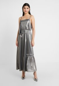 Three Floor - BOUVIER DRESS - Suknia balowa - silver - 0