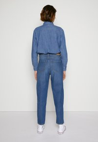 TOM TAILOR DENIM - BARREL MOM VINTAGE MIDDLE BLUE - Relaxed fit jeans - used mid stone blue - 2