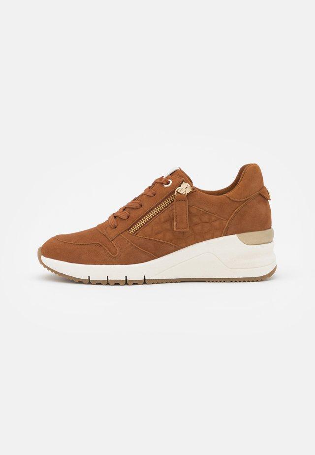 Sneakers laag - muscat