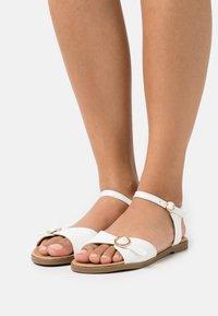 Head over Heels by Dune - LANNY - Sandały - white - 0
