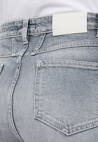 CLOSED - BAKER HIGH  HIGH WAIST CROPPED LENGTH - Slim fit jeans - mid grey - 5