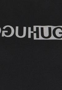 HUGO - THE SLIM TEE - T-shirts med print - black - 7