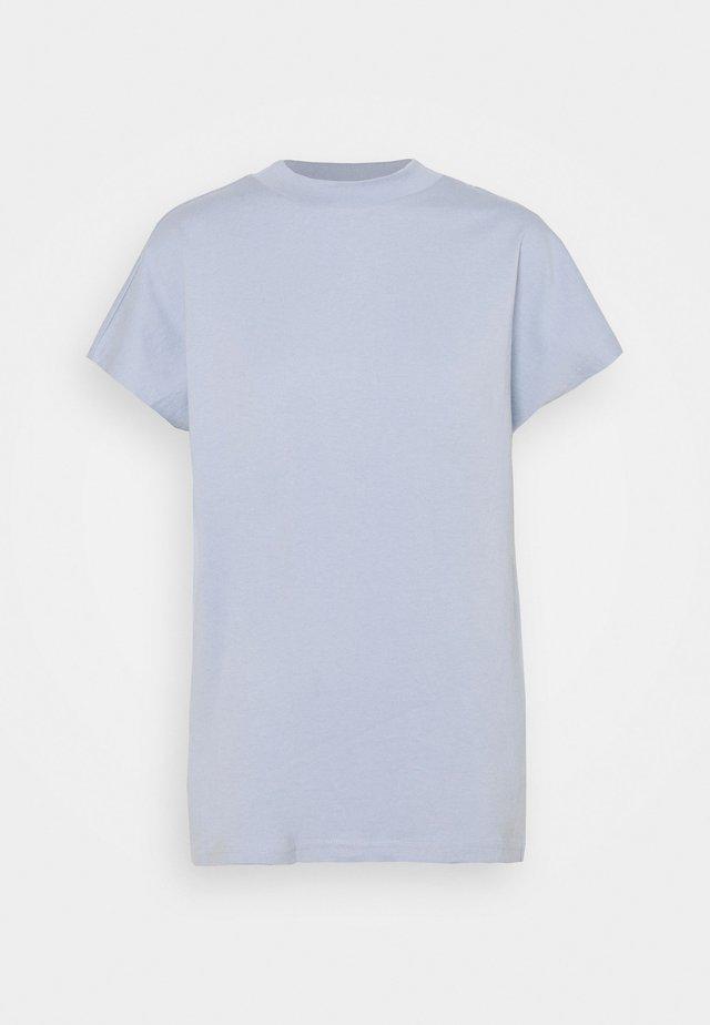 PRIME - Basic T-shirt - lilac light