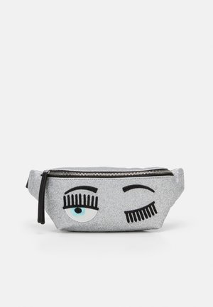FLIRTING GLITTER BELTBAG - Bum bag - silver