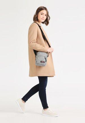 THE ONE - Across body bag - sunday grey