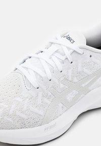 ASICS - DYNABLAST - Neutral running shoes - white/glacier grey - 5