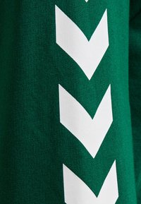 Hummel - HMLGO - Zip-up hoodie - evergreen - 4