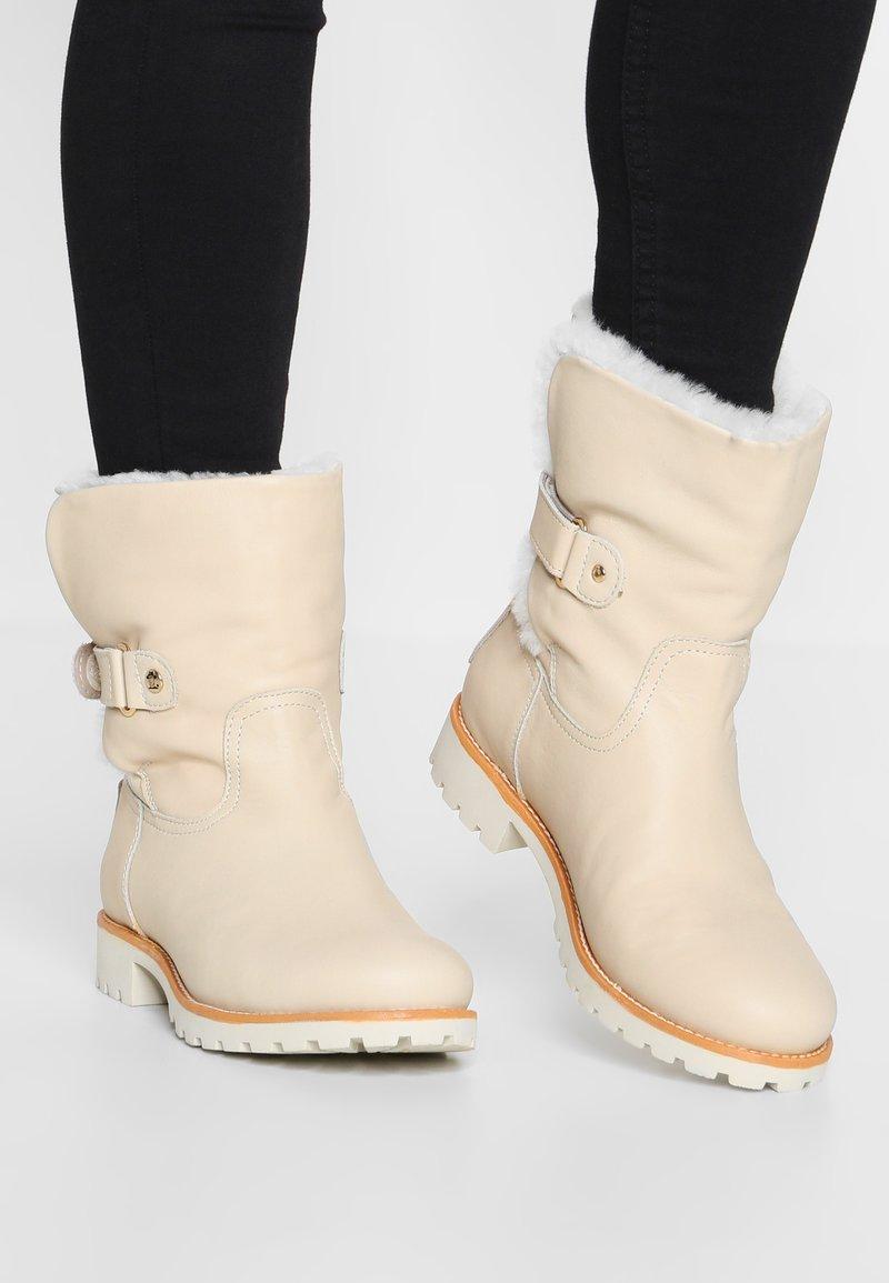 Panama Jack - FELIA IGLOO TRAVELLING - Classic ankle boots - offwhite