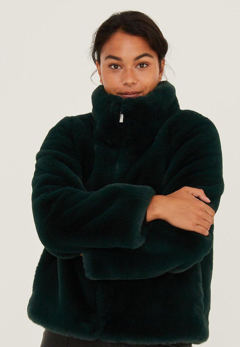 Oliver Bonas - Winter jacket - green